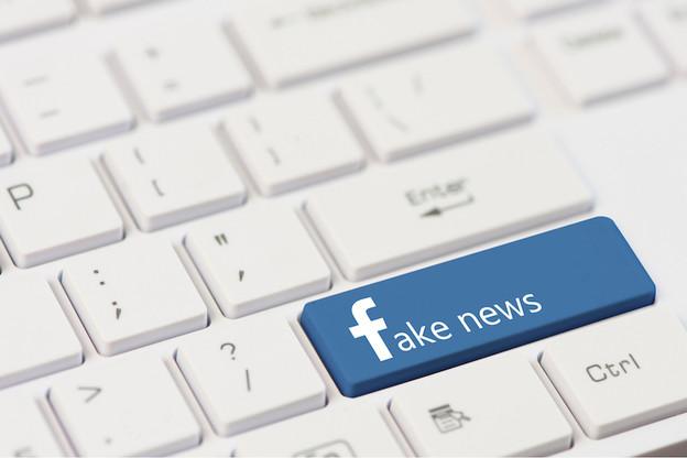 Stormchaser et Night's Watch, deux logiciels qui permettraient de suivre précisément les fake news concernant le célèbre réseau social. (Photo: Shutterstock)