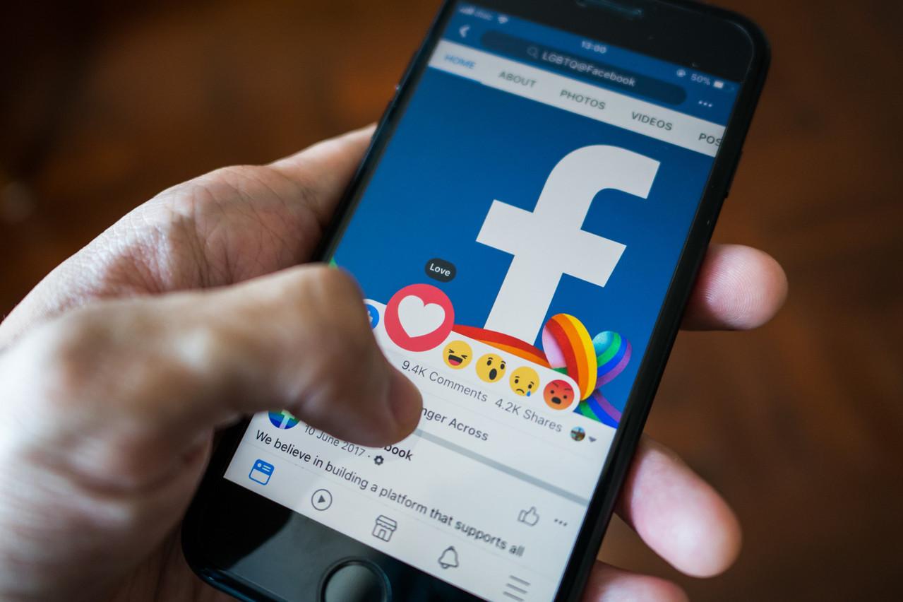 Quand Facebook transfère des données personnelles européennes aux États-Unis, les utilisateurs en perdent le contrôle, ce qui est non conforme avec les garanties offertes par le RGPD. (Photo: Shutterstock)