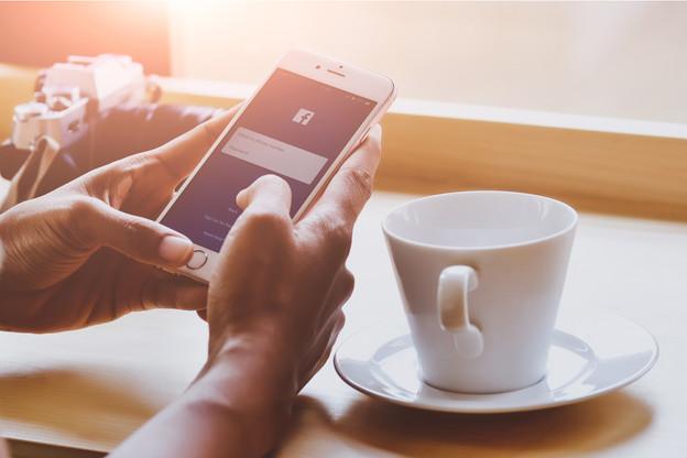 Les transferts sur Facebook Pay seront sécurisés par un code PIN ou par des dispositifs biométriques comme les empreintes digitales ou la reconnaissance faciale. (Photo: Shutterstock)