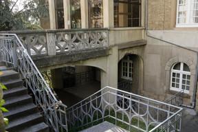 View of the outside facing Boulevard de la Pétrussse Matic Zorman / Maison Moderne