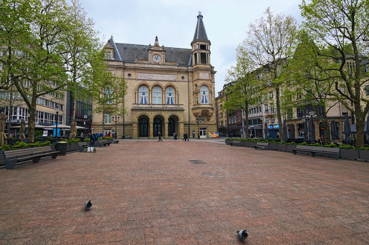 En 1881, des Luxembourgeois ont été vus en train de brûler des billets de banque sur la place d'Armes en signe de colère après l'effondrement de la Banque Nationale, huit ans seulement après sa création. Un chapitre surprenant de l'histoire du Luxembourg. (Photo: Shutterstock)