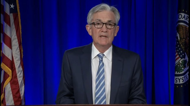 Satisfait de l'évolution de l'emploi et de l'inflation, JeromePowell annonce une baisse du soutien à l'économie américaine. Mais la croissance étant encore jugée fragile, les taux d'intérêt ne devraient pas augmenter avant 2023. (Photo: Federal Reserve)