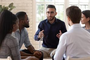 La création d'une charte de déontologie afin de garantir des formations de qualités avec certifications est prévue. (Photo: Shuttertsock)