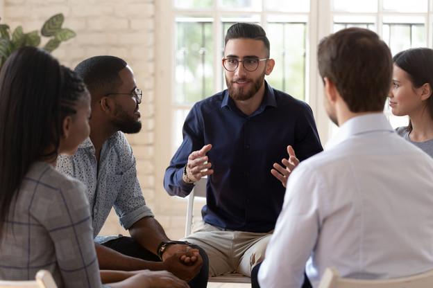 La création d'une charte de déontologie, afin de garantir des formations de qualité avec certifications, est prévue. (Photo: Shutterstock)