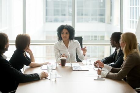 Dans un monde d'hommes, les fonds gérés par les femmes affichent – cette année – de meilleures performances. (Photo: Shutterstock)