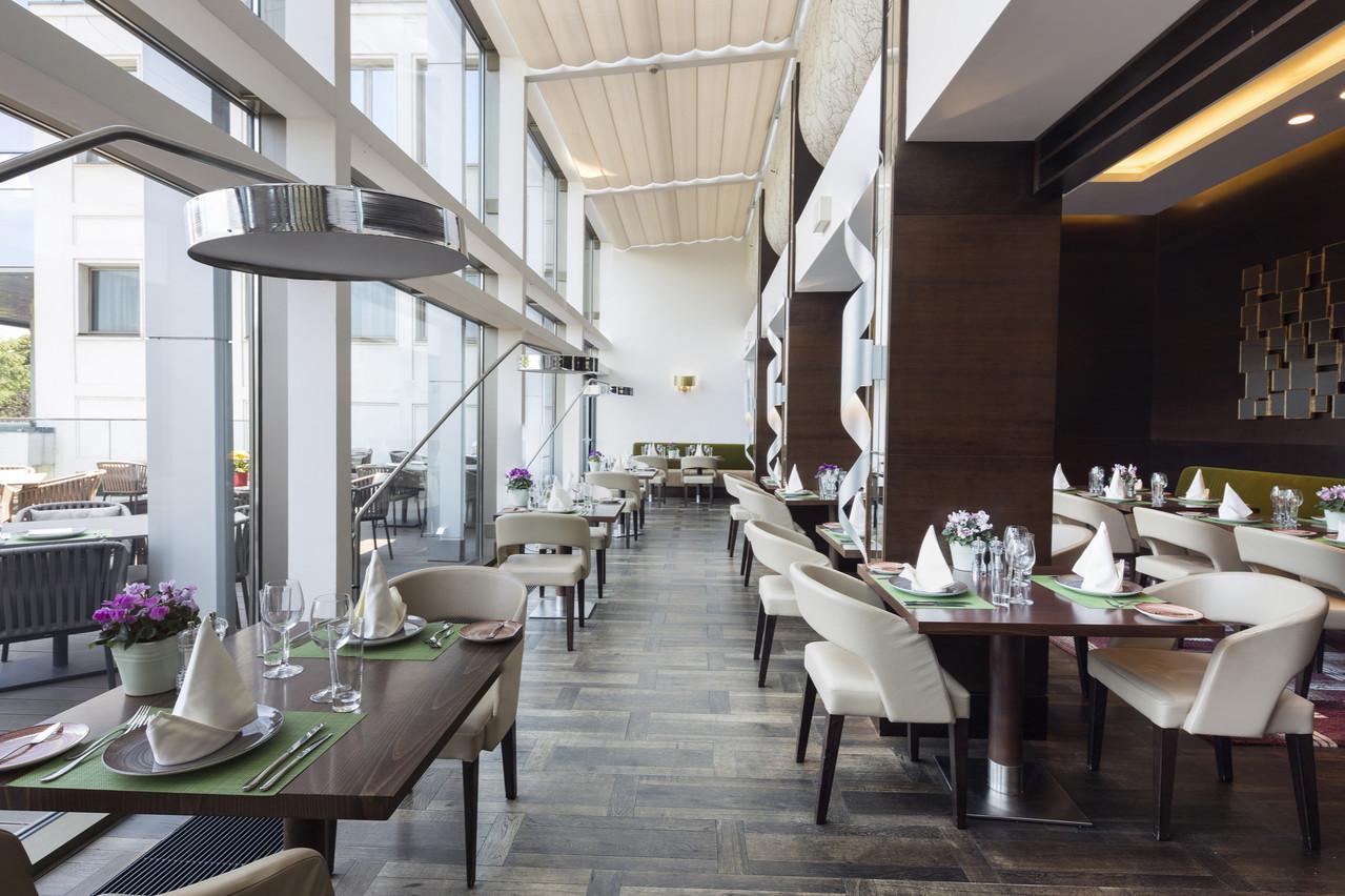 Les hôtels se préparent à fermer leur restaurant dès jeudi, pour au moins trois semaines. La plupart les remplaceront par du room service. D'autres préfèrent mettre toute leur activité en pause. (Photo: Shutterstock)