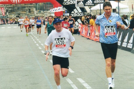 Fernand Ernster s'est astreint à une certaine discipline pour préparer ses marathons (ici, à Barcelone, en 2000). (Photo: DR)