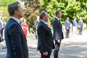 (de g. à dr.) Xavier Bettel, Premier ministre, ministre d'État; Fernand Etgen, président de la Chambre des députés ; S.A.R. le Grand-Duc (© SIP / Jean-Christophe Verhaegen, tous droits réservés)