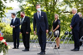 (de g. à dr.) Xavier Bettel, Premier ministre, ministre d'État ; Fernand Etgen, président de la Chambre des députés ; S.A.R. le Grand-Duc ; (© SIP / Julien Warnand, tous droits réservés)