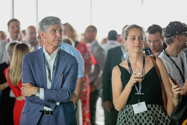 Romain Muller (JLL) et Fanny Pimentel (AtHome) (Photo: Jan Hanrion / Maison Moderne)