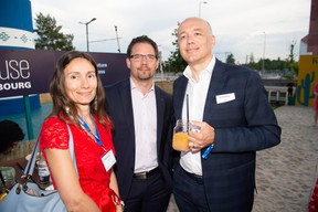 À gauche, Gabriela Paciu (CEO de B4Finance) et Franck Esclozas (Founder de B4Finance) à droite ((Photo: Anthony Dehez))
