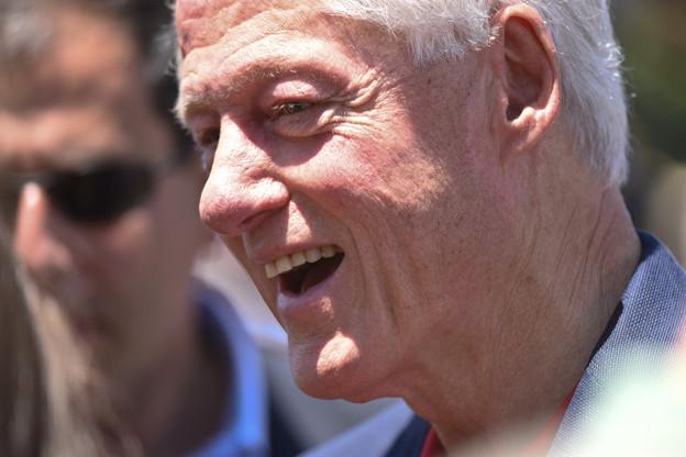 Il y a quatre ans, l'ancien président américain BillClinton lançait une fintech qui change les codes de l'investissement responsable. 1,5million d'utilisateurs plus tard, Aspiration a levé 135millions de dollars. (Photo: Shutterstock)