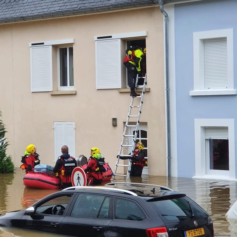 Luxembourg insurance body ACA expects to receive millions of euros in claims following this week's flooding. Pictured: Firefighters are seen conducting a rescue operation, 15 July 2021. CGDIS