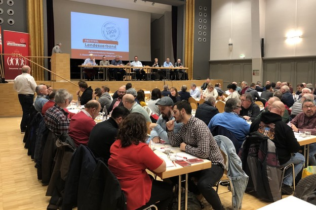 La décision de la FNCTTFEL de s'allier à l'OGBL a été entérinée lundi soir par 76,19% des votants. (Photo: Paperjam)
