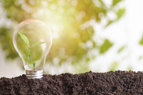 Les investissements dans les fonds durables doivent notamment permettrede soutenir la transition vers l'électricité provenant de sources renouvelables. (Photo: Shutterstock)