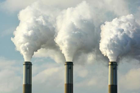 Le tribunal administratif a été saisi par Greenpeace ce lundi 23 septembre, qui veut obtenir des informations sur la façon dont les investissements du Fonds de pension FDC respectent l'accord de Paris. (Photo: Shutterstock)