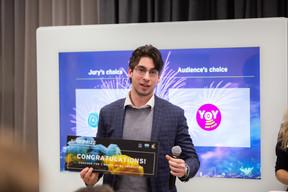 Kristóf Nagy (Serket-tech) reçoit le Prix du jury. ((Photo: Romain Gamba / Maison Moderne))