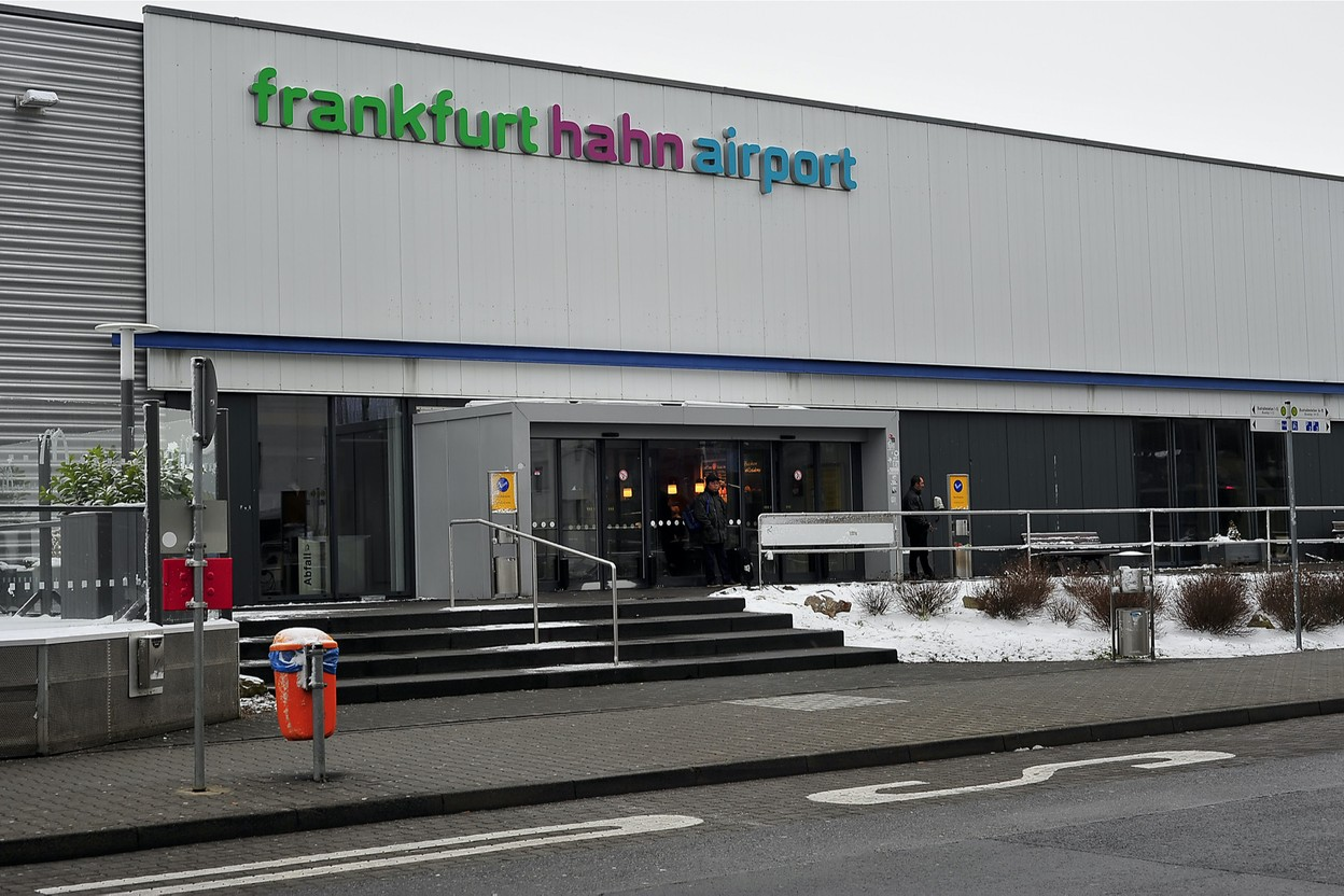 Frankfurt Hahn Airport has been hit hard by covid-related travel restrictions and has been placed in receivership. (Photo: Shutterstock)
