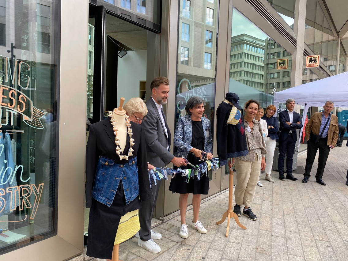 Economy minister Franz Fayot (LSAP)was present at the inauguration of the Lët'z Refashion pop-up store that took place on Monday 20 September at Royal Hamilius. Abigail Okorodus/ Delano