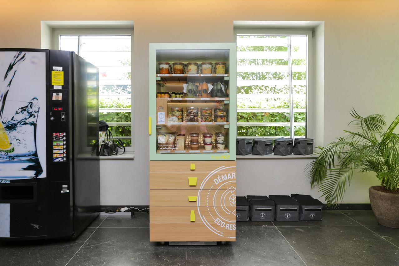 Le design sobre et tendance des nouveaux frigos intelligents Cocottes X Apothecary tranche avec ce que l'on voit d'habitude dans les espaces communs des sociétés… (Photo: Romain Gamba / Maison Moderne)