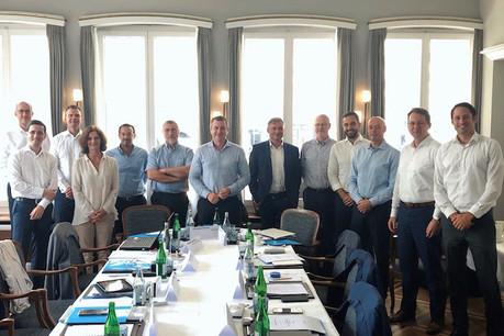 Les membres fondateurs des six sociétés européennes qui veulent créer un nouveau standard pour le paiement mobile. (Photo: EMPSA)