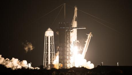 Lancement réussi durant la nuit de dimanche à lundi pour la fusée Falcon 9. (Photo: Nasa/Joel Kowsky)