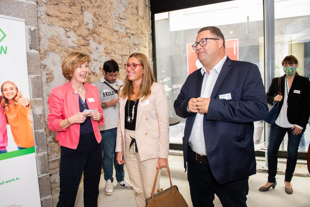 Ariane Toepfer, directrice de Youth and Work, a présenté son nouveau programme avec Daniela Ragni, de la Fondation André Losch, et Emile Lutgen, de l'Œuvre nationale, qui cofinancent le projet. (Photo: Youth and Work)