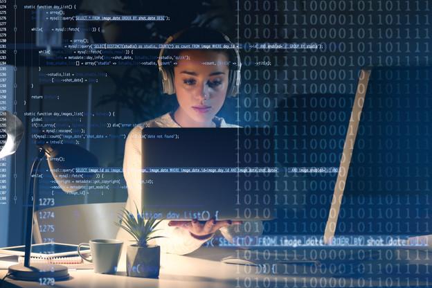 Les entreprises du secteur informatique ont connu une hausse de la demande au début de la crise du Covid-19, de la part d'entreprises s'équipant pour faire du télétravail. (Photo: Shutterstock)