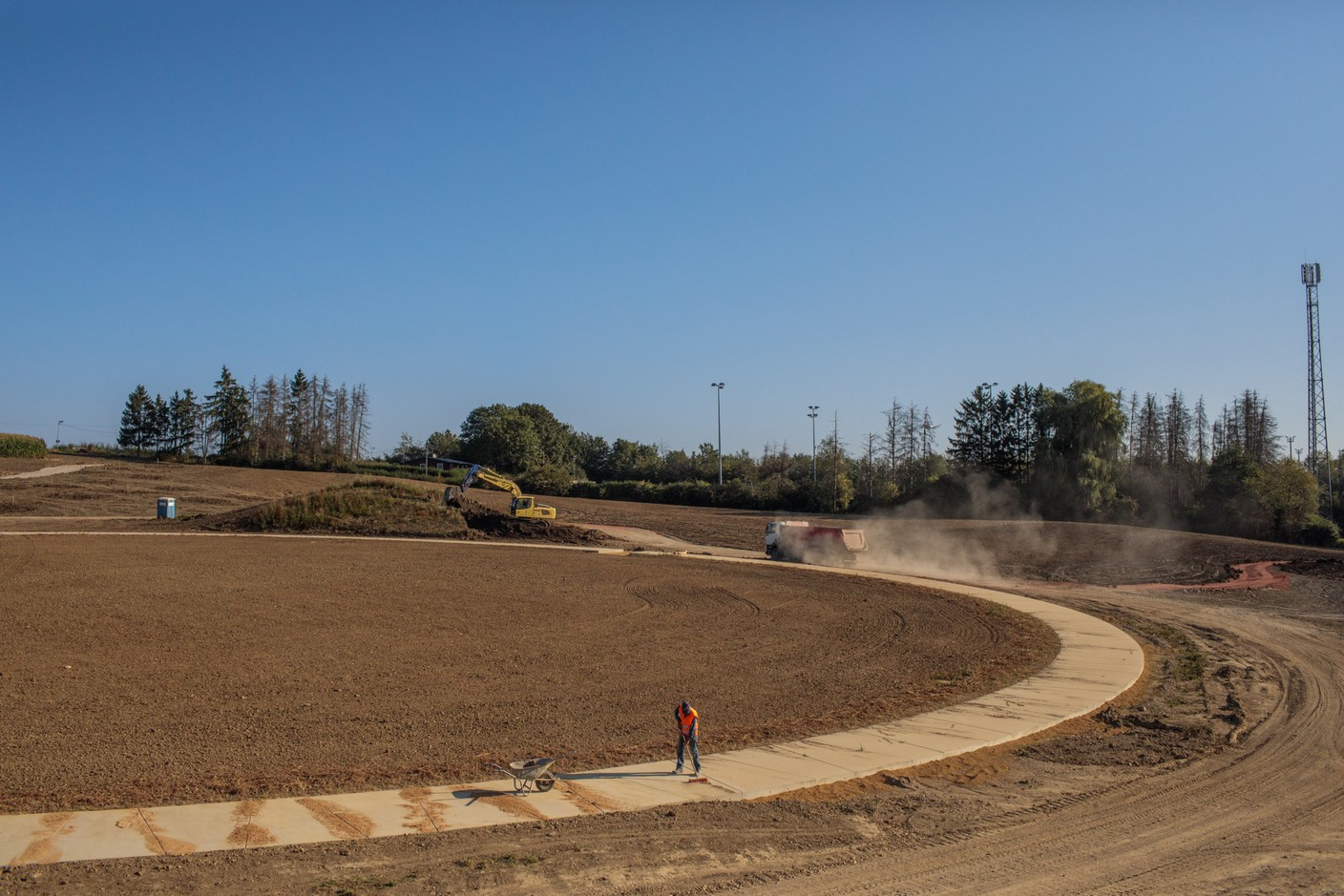 Currently, the workers are building the paths to the park. (Photo: Matic Zorman / Maison Moderne)