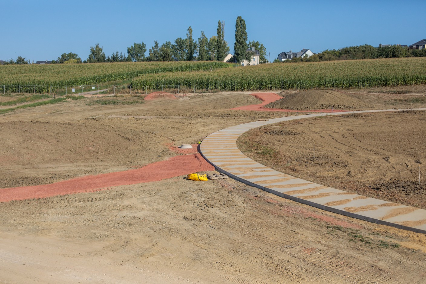 In total, the network of branching paths will be 4.5 km long. (Photo: Matic Zorman / Maison Moderne)