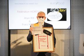 François Koepp, secrétaire général de la fédération Horesca, qui reçoit pour celle-ci le prix de Personnalité de l'année. ((Photo: Romain Gamba / Maison Moderne))