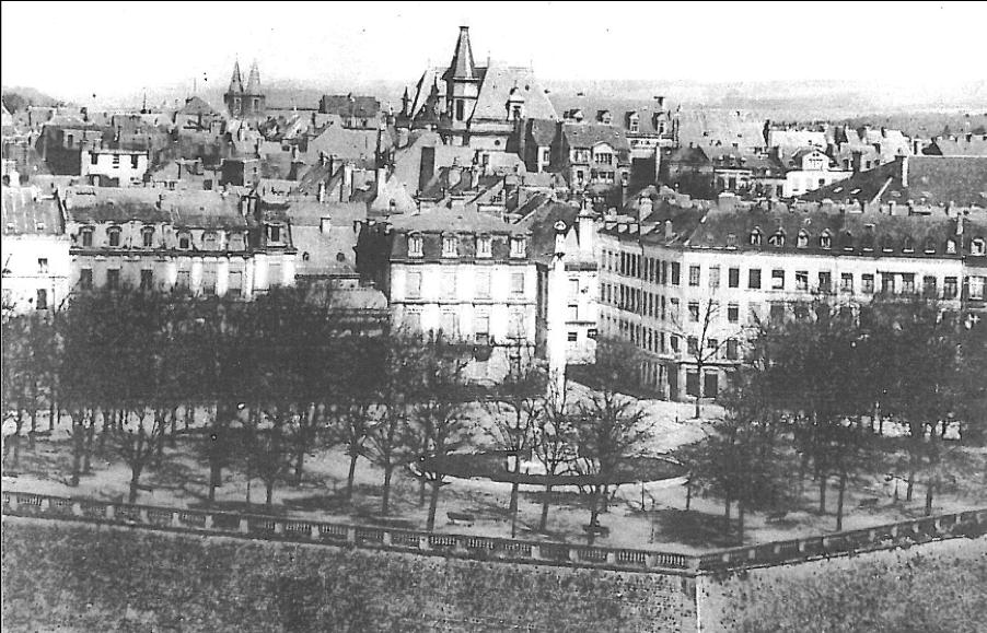 La place de la Constitution, à une époque où les voitures étaient bannies. (Photo: Archives de la Ville de Luxembourg)