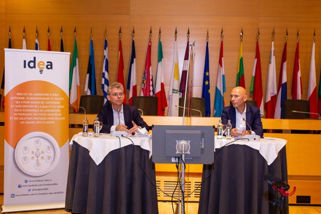 MurielBouchet, d irecteur de la Fondation I dea, et GeorgesHeinrich, secrétaire général de la Banque de Luxembourg, ont mené la matinale du think tank de la Chambre de commerce sur le thème de la soutenabilité de la dette publique en zone euro. (Photo: Fondation Idea)