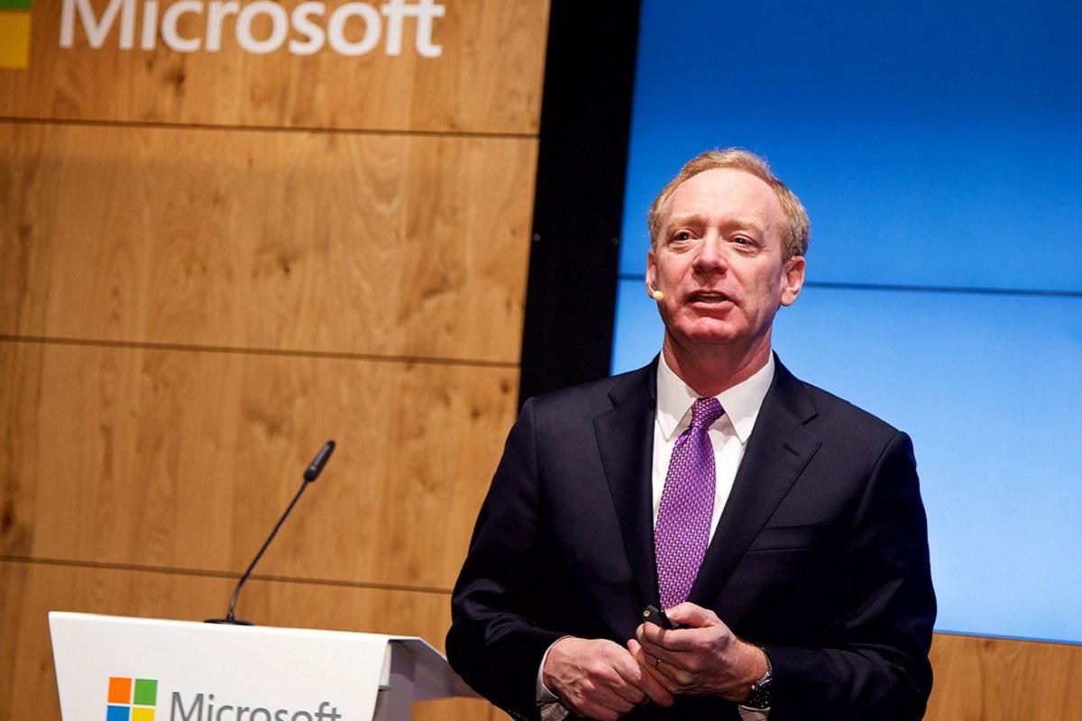 Microsoft avait déjà annoncé vouloir aller plus loin que le RGPD. Ce jeudi, le président et directeur des affaires juridiques du groupe, Brad Smith, annonce officiellement la conservation des données européennes en Europe. (Photo: Microsoft)