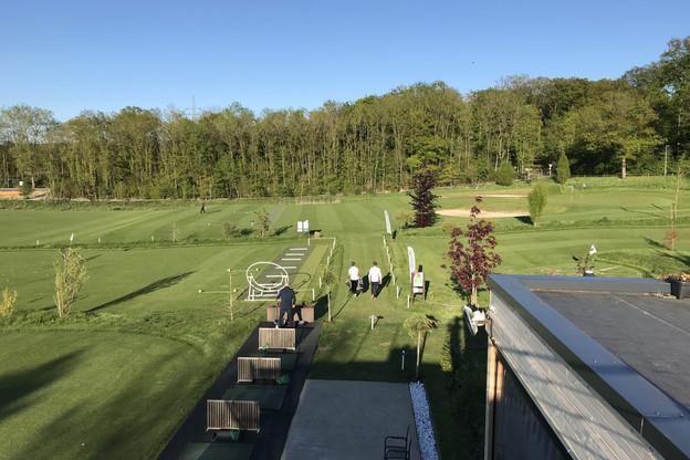 Le Lux Golf Center, à un coup de swing de la capitale, permet de pratiquer son sport sans y perdre la journée. (Photo: Lux Golf Center)