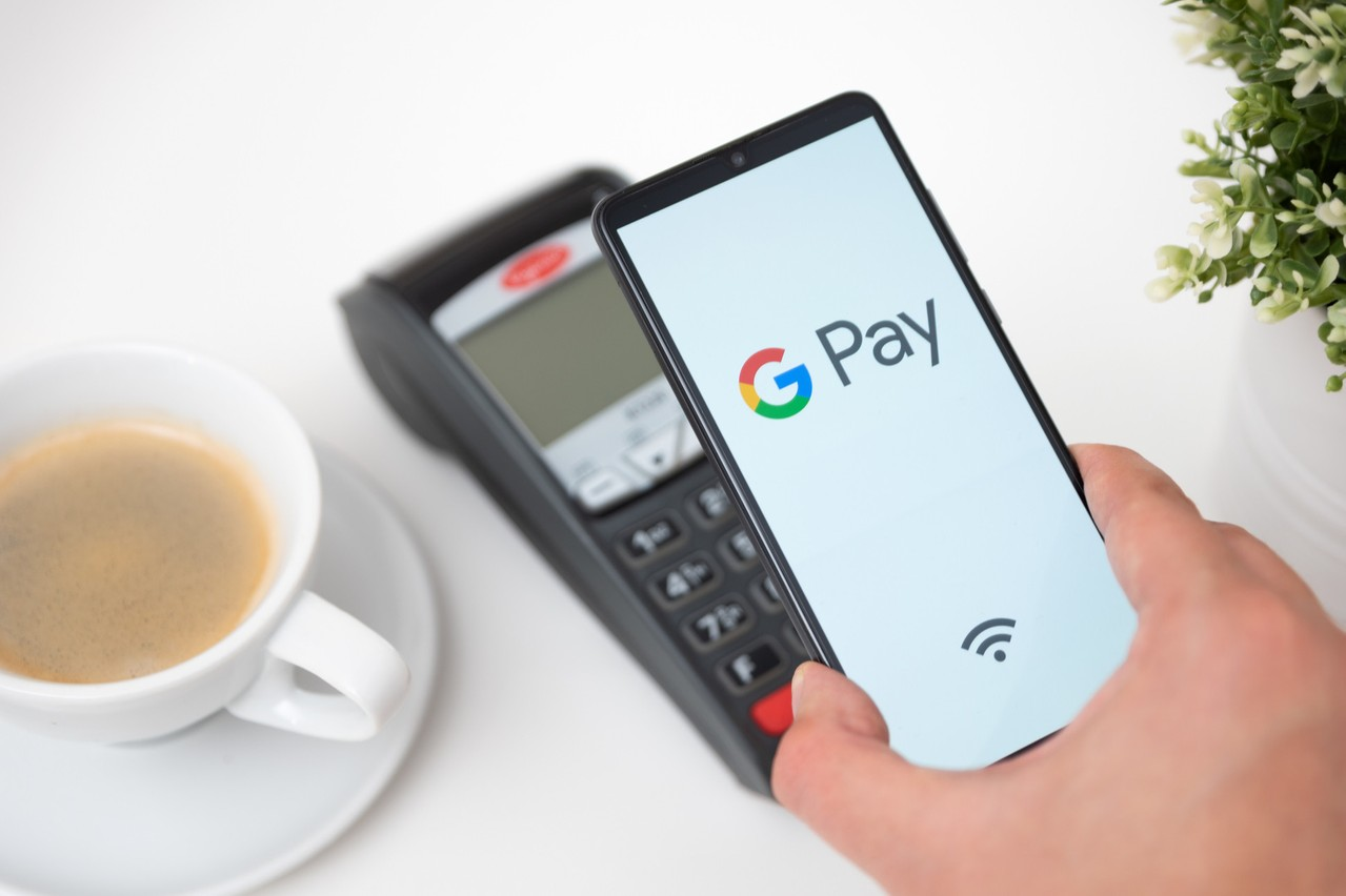 Quatre fois plus de personnes se sont connectées à internet en 2020 qu'en 2019. Beaucoup veulent payer simplement. D'où le déploiement accéléré de Google Pay avec Western Union et Wise, entre les États-Unis et l'Inde ou Singapour. (Photo: Google)