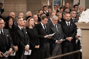 L'actuel Premier ministre, Xavier Bettel, et l'ancien et président de la Commission européenne, Jean-Claude Juncker, ont, entre autres, participé à la cérémonie religieuse. ((Photo: Cour grand-ducale / Sophie Margue))