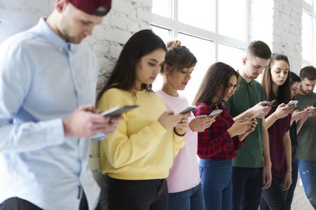 En juillet 2020, 64% des connexions à internet se sont faites via un appareil mobile au Luxembourg. (Photo: Shutterstock)