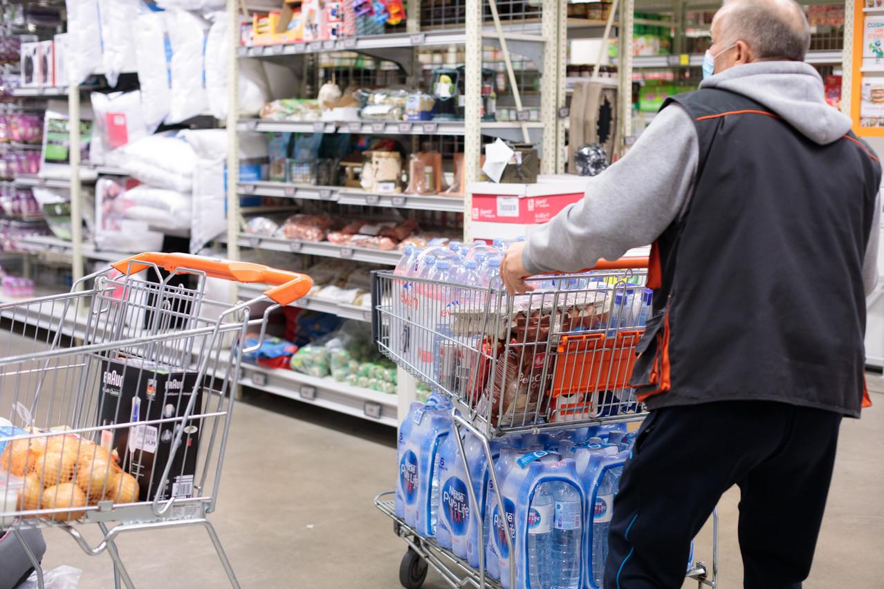 La fermeture des commerces jugés non essentiels et celle de l'horeca semblent avoir fait les affaires de la grande distribution au Luxembourg: ses ventes ont bondi de 9,2% en 2020, contre 4,6% dans l'ensemble de la zone euro. (Photo: Matic Zorman/Maison Moderne)