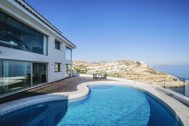 Investissements – Les crédits aux grandes fortunes servent notamment à financer des achats immobiliers. (Photo: Shutterstock)