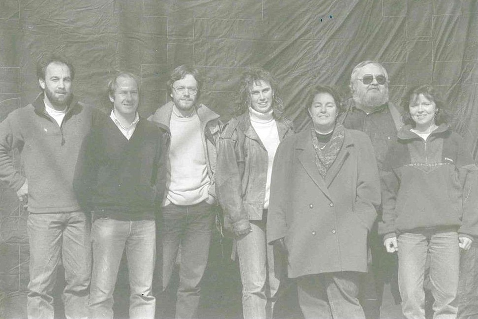 Raymond Triebel (2e à dr.) faisait partie des pionniers de Greenpeace au Luxembourg aux côtés de (de g. à dr.) Luc Stoffel, Roger Spautz, Cary Greisch, Martina Holbach, Martine Kass et Danielle Petesch. (Photo: Greenpeace)
