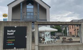 Cinéma, musée et bistrot, le Kulturhuef, collé au camping, offre différentes animations bienvenues. ((Photo: Paperjam))
