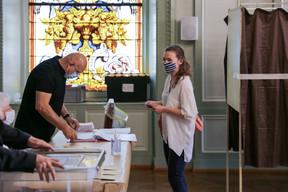 Le dépouillement a été très serré entre le candidat de la droite, François Grosdidier, et celui de la gauche, Xavier Bouvet, qui se présentait à ses premières élections. ((Photo: Romain Gamba/Maison Moderne))