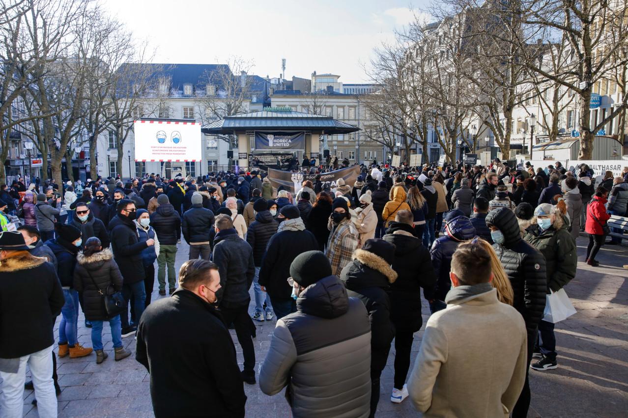 Écran géant et équipement sonore, les manifestants sont venus bien équipés. (Photo: Romain Gamba / Maison Moderne)