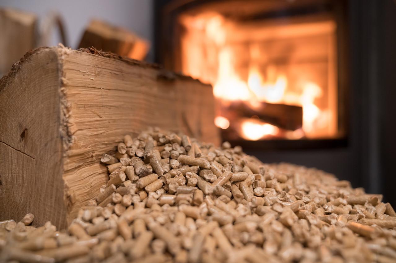 Chaque année, via des circuits courts, l'entreprise produit notamment 15.000 tonnes de pellets. (Photo: Shutterstock)
