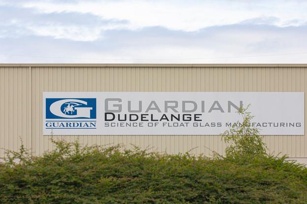 Un plan de maintien dans l'emploi a finalement été trouvé entre la direction et les partenaires sociaux chez Guardian, après des semaines de conflit. (Photo: Jan Hanrion/Maison Moderne)