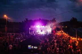 Les concerts De Gudde Wëllen étaient enfin de retour, grâce à un festival de cinq jours au Kirchberg, qui a fait du bruit malgré la pluie! ((Photo: Mike Zenari))