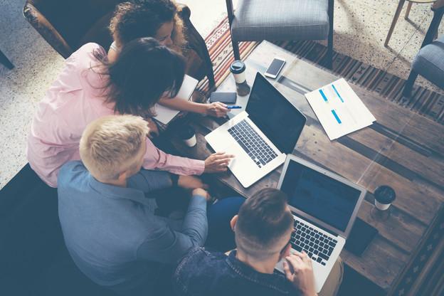 Un virus, trois hackathons pour le combattre. Trois opportunités de pousser de la technologie pour le bien-être de la population. (Photo: Shutterstock)