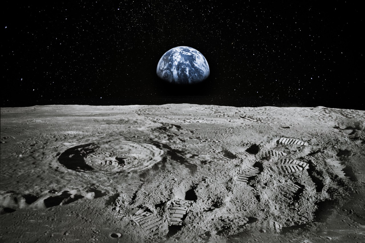 In 2040, a colony of 50 people on the Moon will have to grow to 1,000 people in a span of ten years. This is the subject of the second Space Hack, organised in mid-November. Photo: Shutterstock