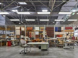 Dans l'atelier, le cuir est travaillé sous de multiples formes. ((Photo: Eric Chenal))